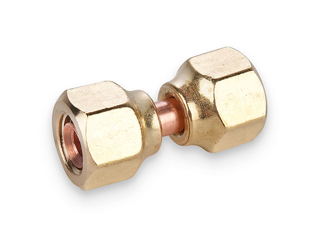 14FSV-6 Swivel Nut Valve Connector 14FSV